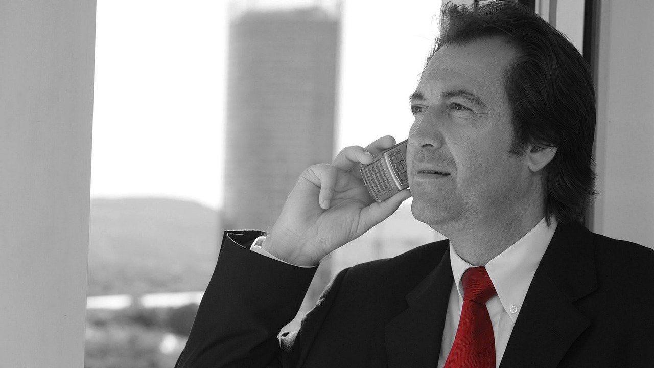 businessman 4782650 1280 1280x720 - 広告代理店で異動・転勤・出向になった場合、本社戻りの方法とは?